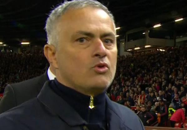 Mourinho chính thức bị FA buộc tội