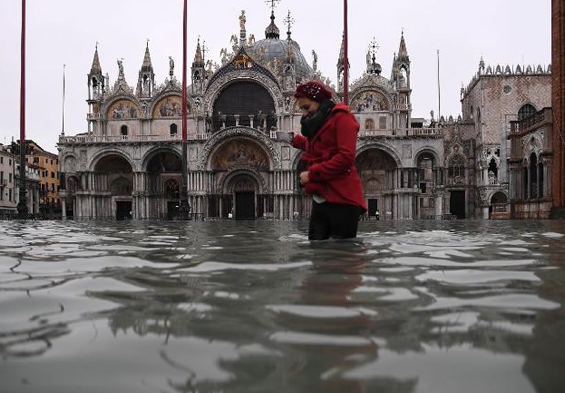 Worst floods for 50 years bring Venice to