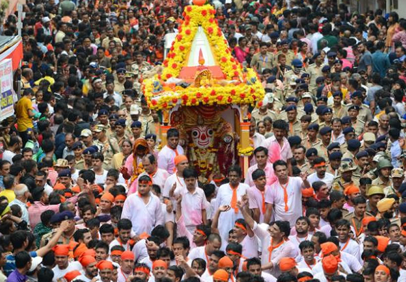 India allows religious festival to go ahead in