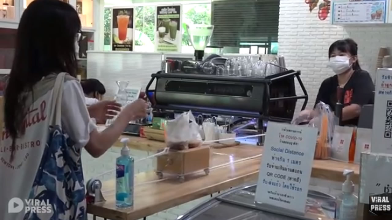 Coffee Shop Uses Pulley To Follow Social Distancing Rules