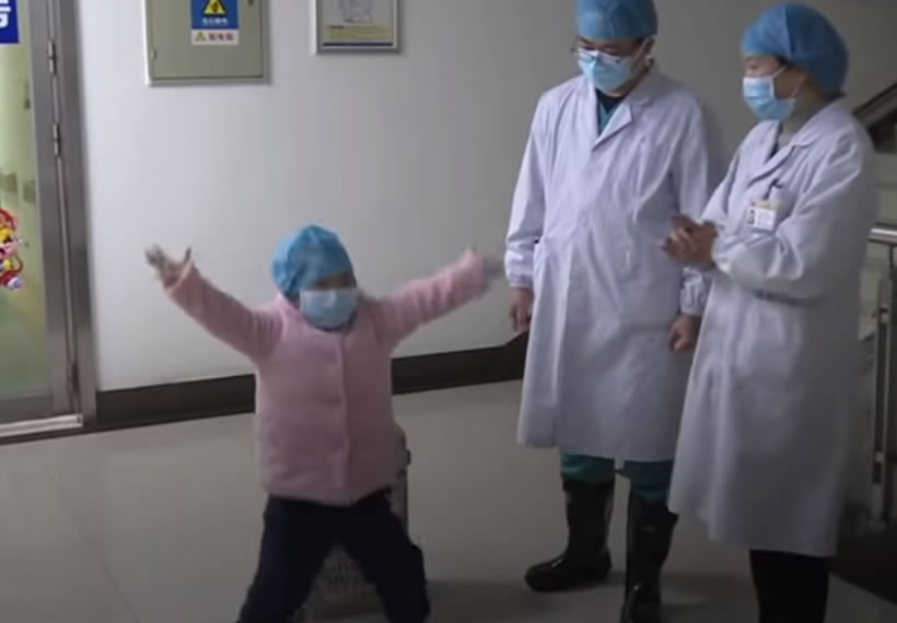 Recovered 5-year-old patient thanks doctors with dance