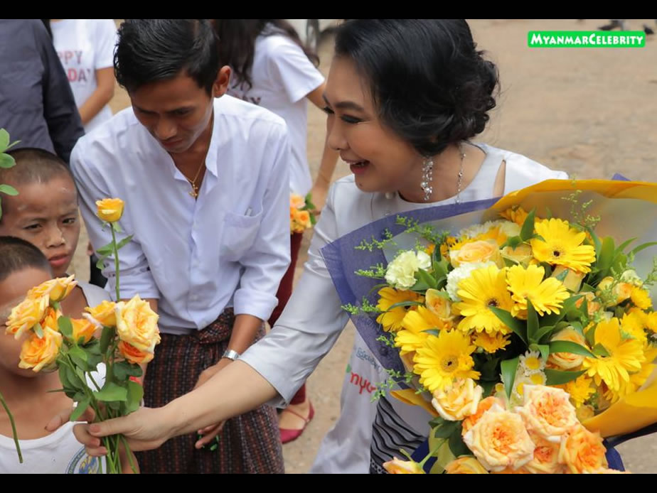 "Moe Moe Myint Aung will do donation together wih her fan group, ""We Love Moh Moh Myint Aung"""