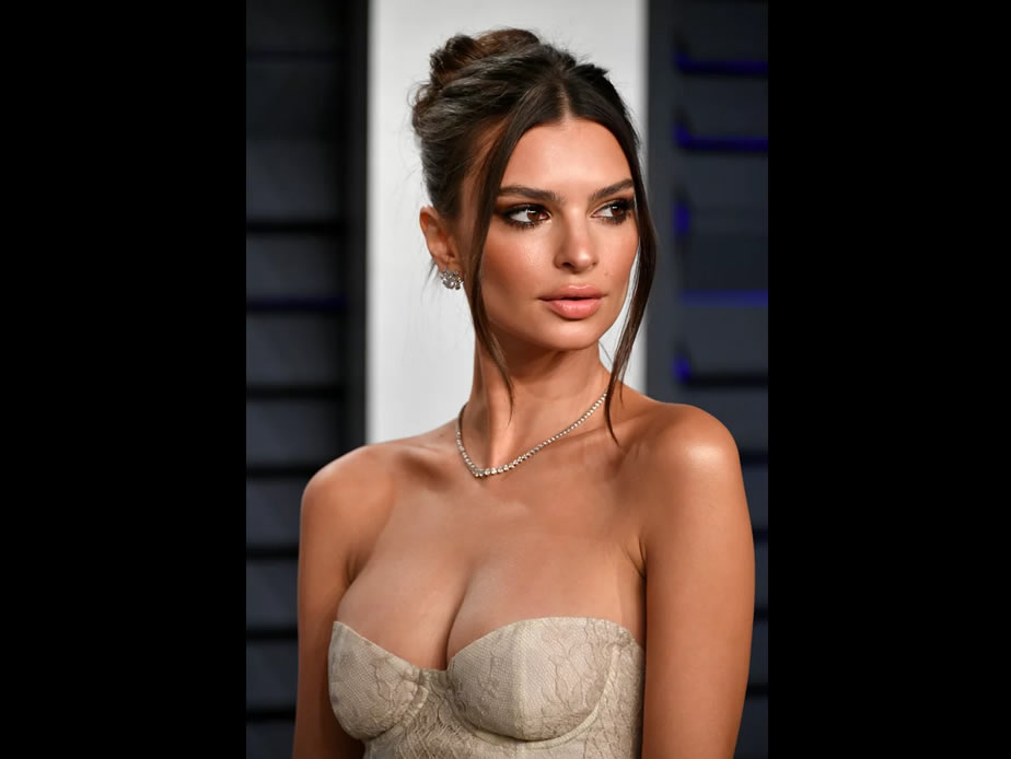 Emily Ratajkowski $5,000 Oscars Dress