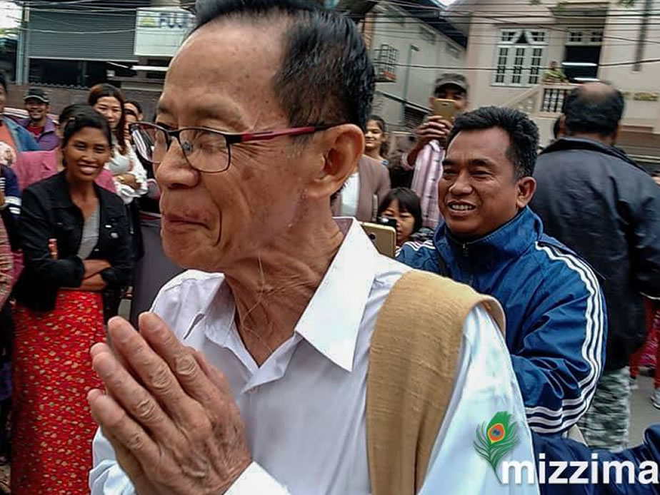 73 years old U Soe Nyunt start sitting for matriculation exam today